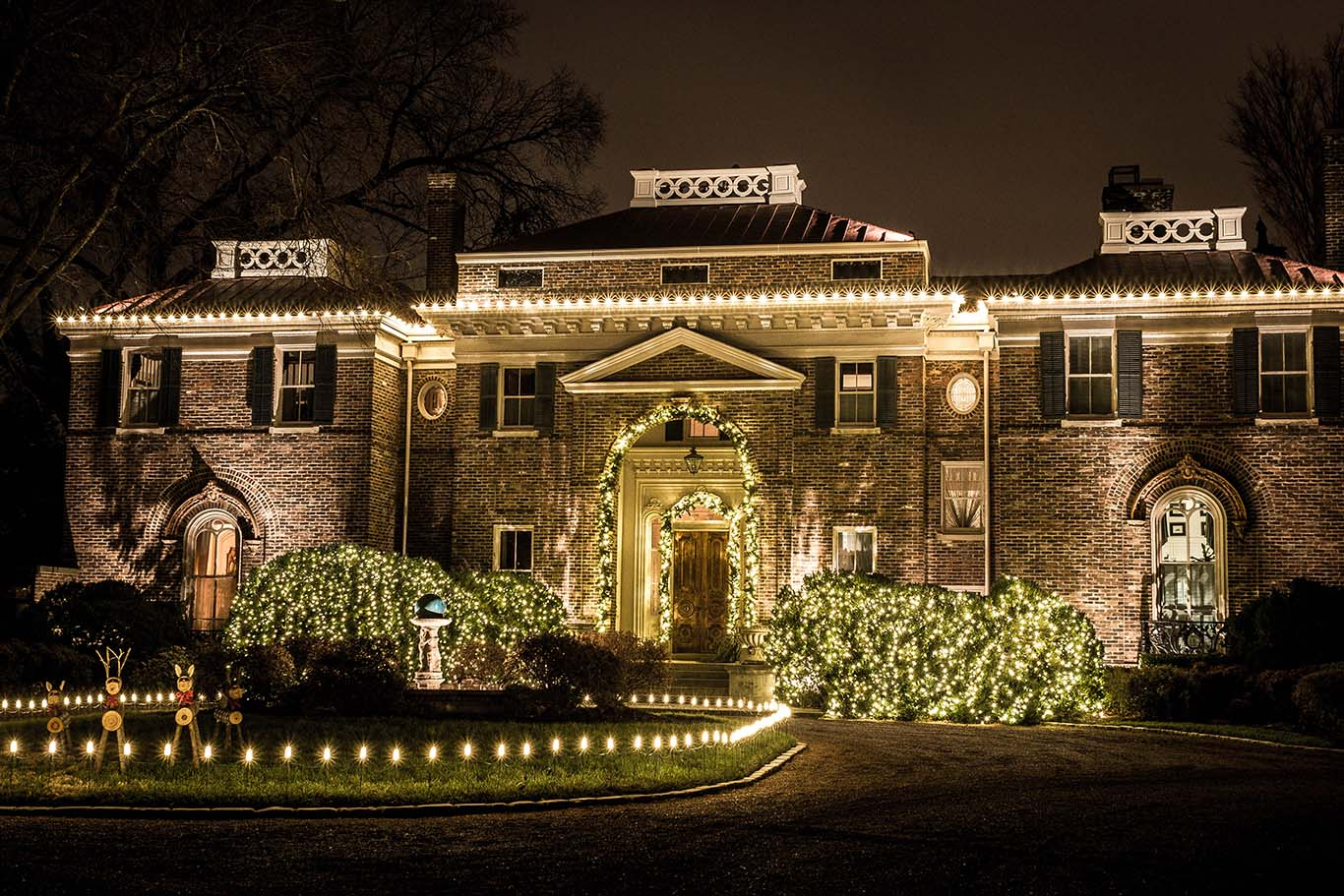 Holiday Lighting Service | Light Up Nashville | Custom Holiday Lighting