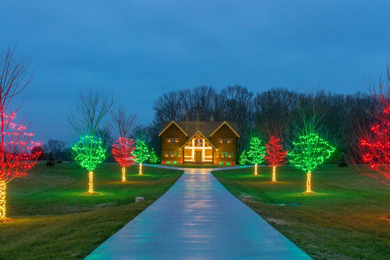 Outdoor lighting in nashville tn light up nashville - Large bulb exterior christmas lights ...