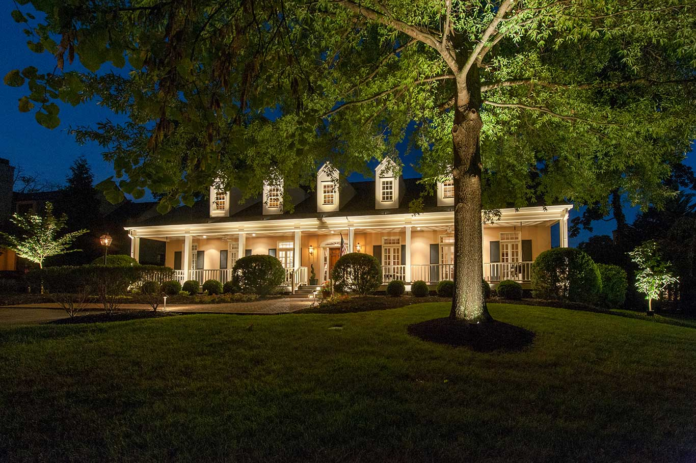 outdoor house lighting service in Nashville