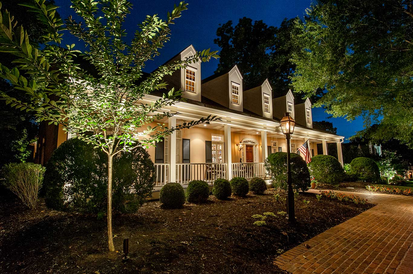 We Are Lighting Enthusiasts Perfectionists Design Experts