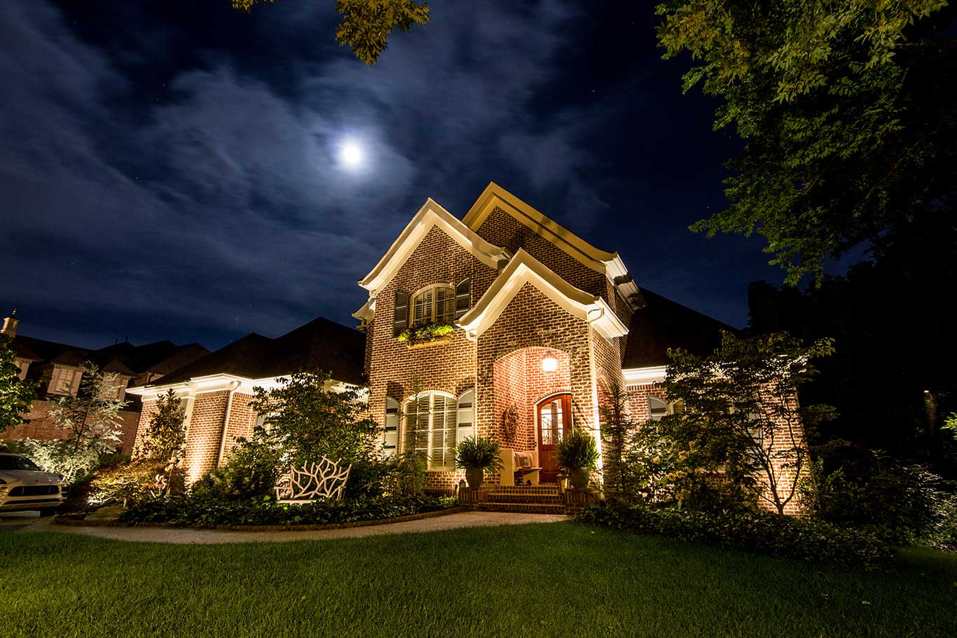 Landscape and architectural lighting on home in Nashville, TN