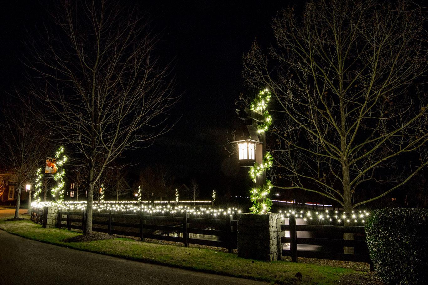 2017 Holiday Lights Garland at HOA