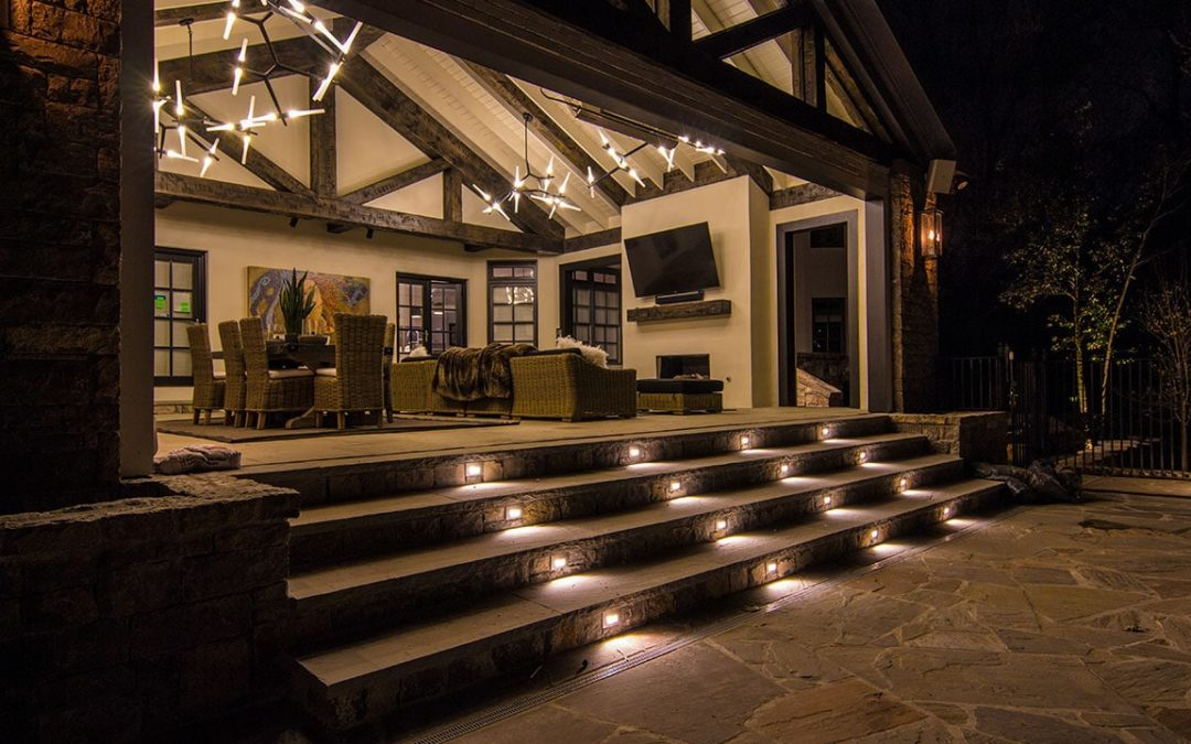 Outdoor Entertaining Space with Hardscape Step Lighting