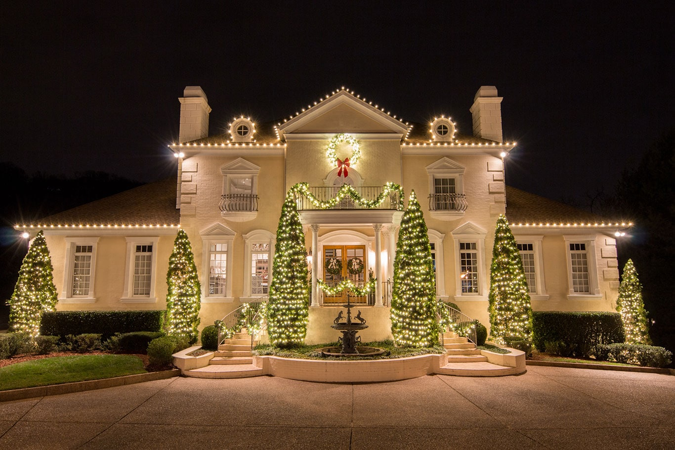 professional christmas lighting display