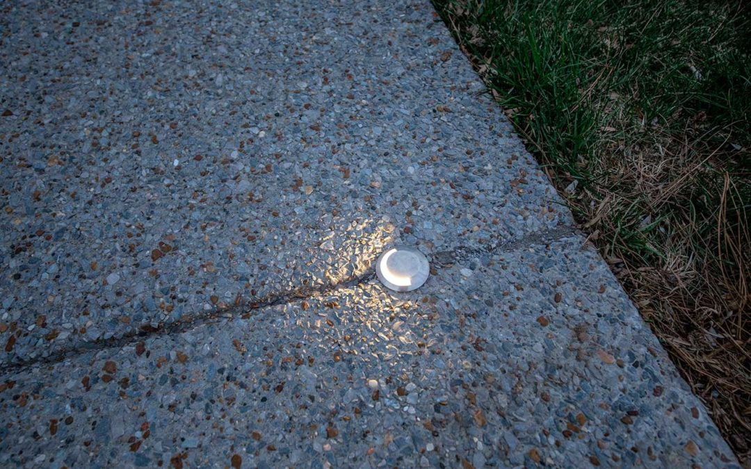 In-Ground Driveway Edge Indicator Light