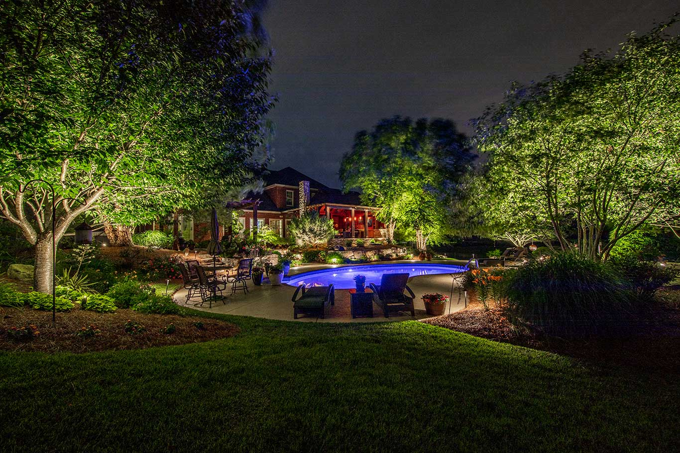 landscape lighting outdoor living