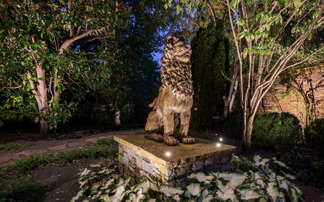Accent Lighting Bronze Statue of a Lion