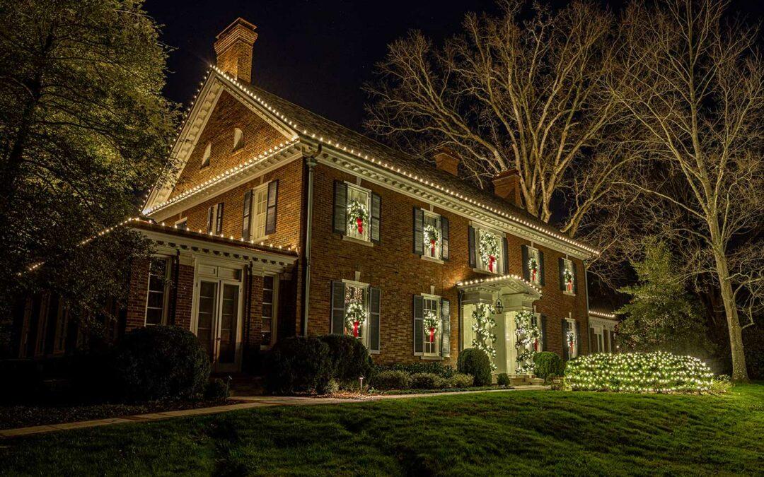Historic Home Classic Christmas Display